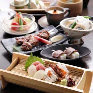 銀座の和食店「別邸 竹の庵」では、お顔合わせに最適な会席コースをご用意しております。