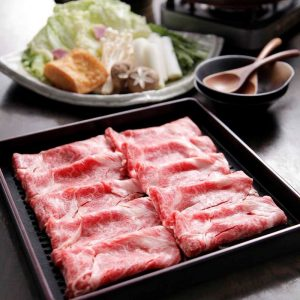 銀座の和食店でA5ランク黒毛和牛のすき焼きを堪能